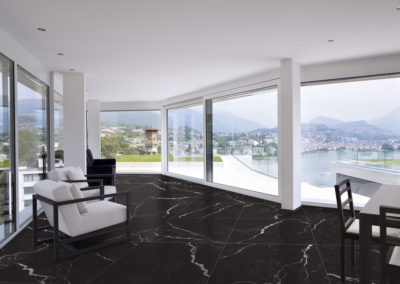 mnqalicante-marmol-negro-marquina-ambiente