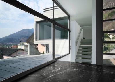 mnqalicante-marmol-pietra-grey-ambiente